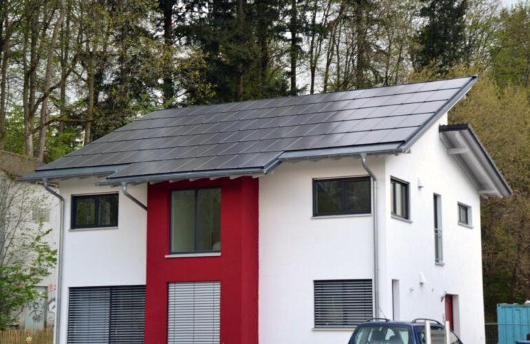acoperis panouri fotovoltaice